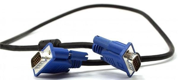 Стандартное подключение VGA-VGA