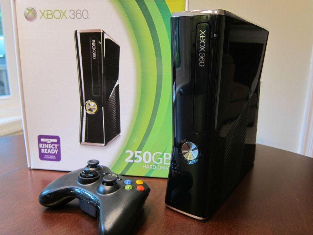 Xbox 360 Slim с коробкой и джойстиком