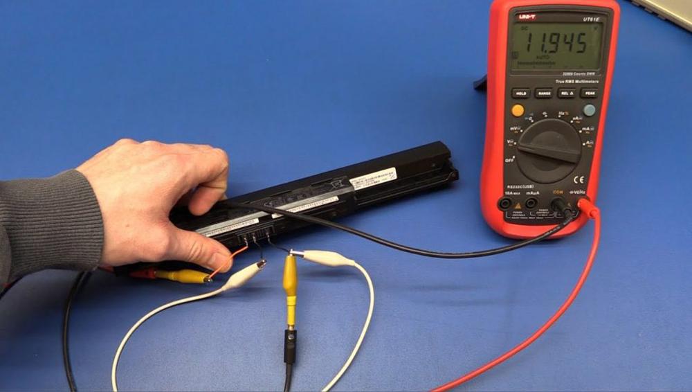 Проверка батареи мультиметром