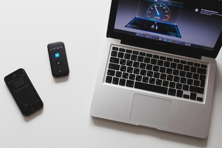 Macbook iPhone 3g-модем ТЕЛЕ2