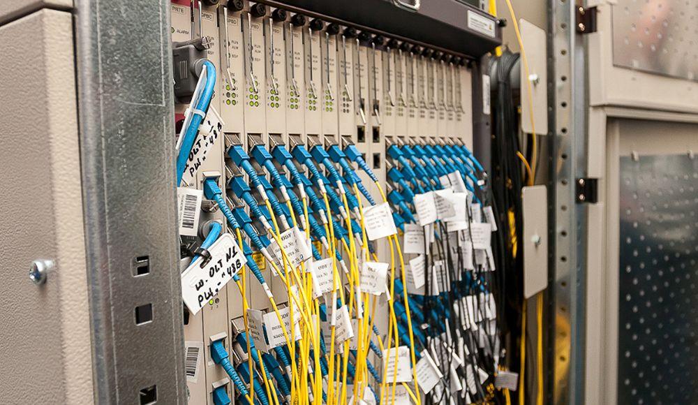 Какой кабель лучше - оптико-волоконный или витая пара