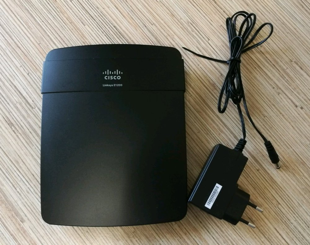 Маршрутизатор Cisco E1200