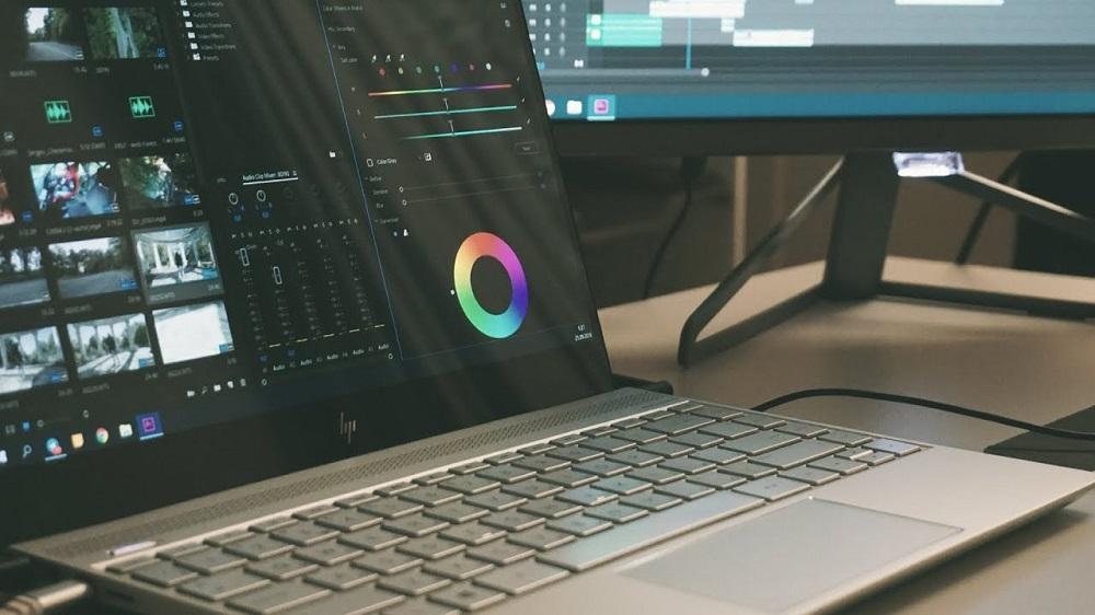 Видеомонтаж на ноутбуке