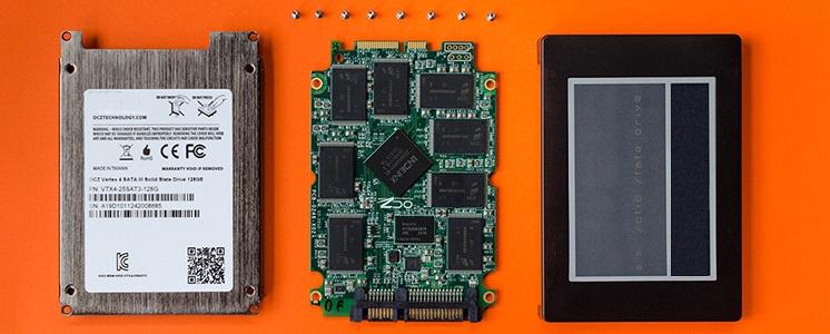 Разобранный SSD диск