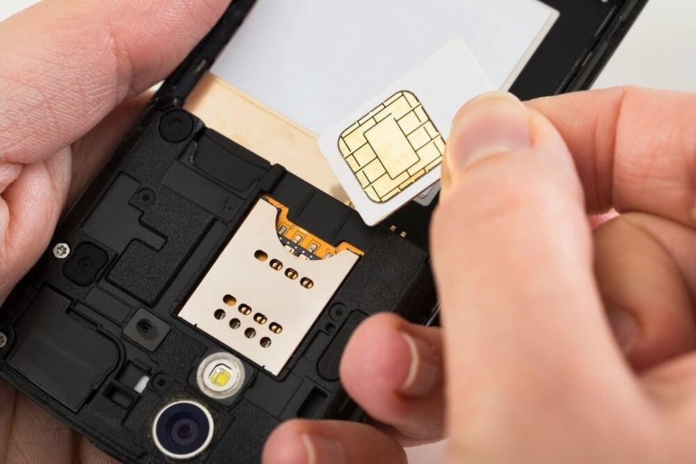 Установка сим-карты в смартфон