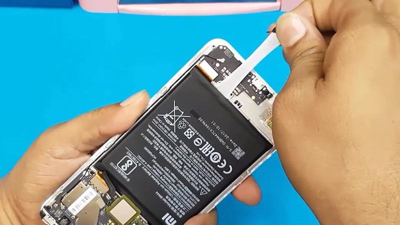 Извлечение батареи