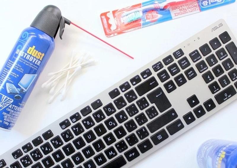 Инструменты для чистки клавиатуры