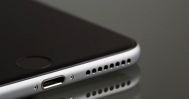 Динамики iPhone