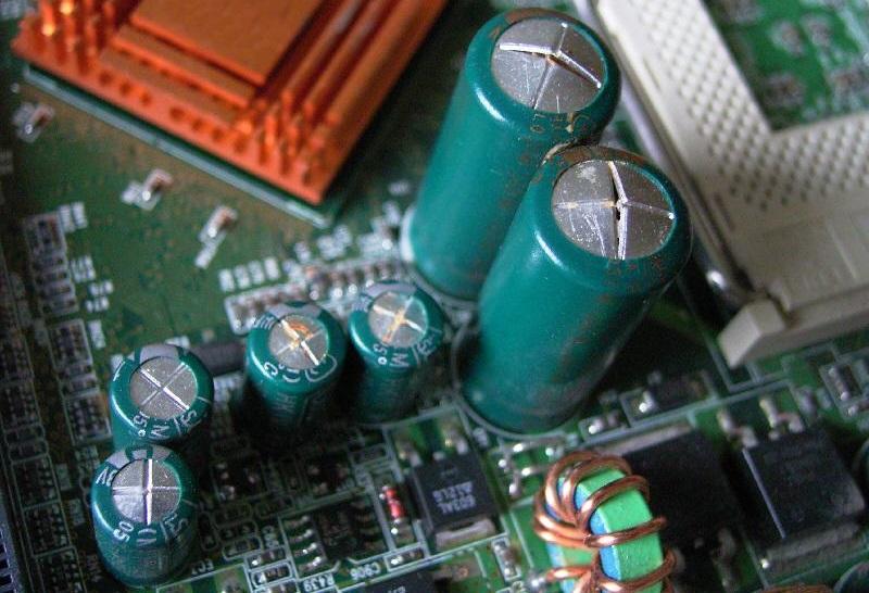 Вздутие конденсаторов