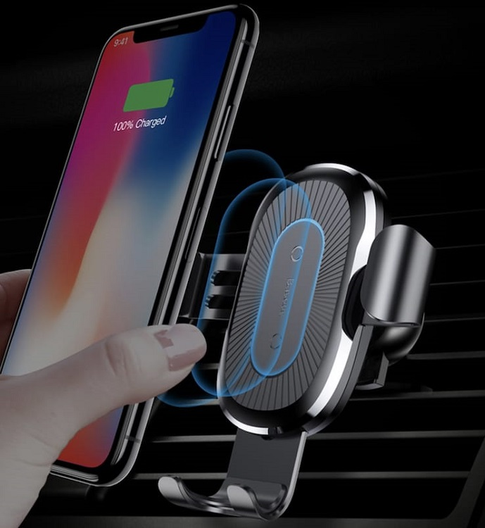 Беспроводная зарядка для iPhone в машину