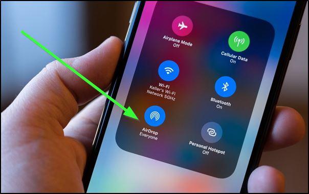 Функция AirDrop в iPhone