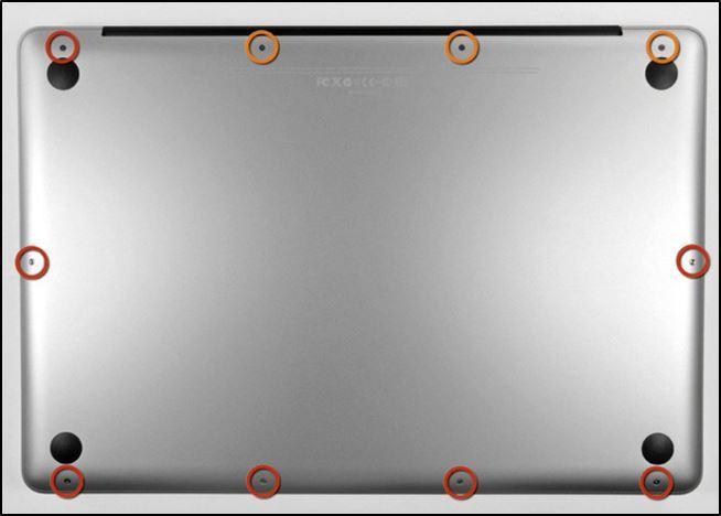 Наличие винтов на тыльной стороне MacBook'a