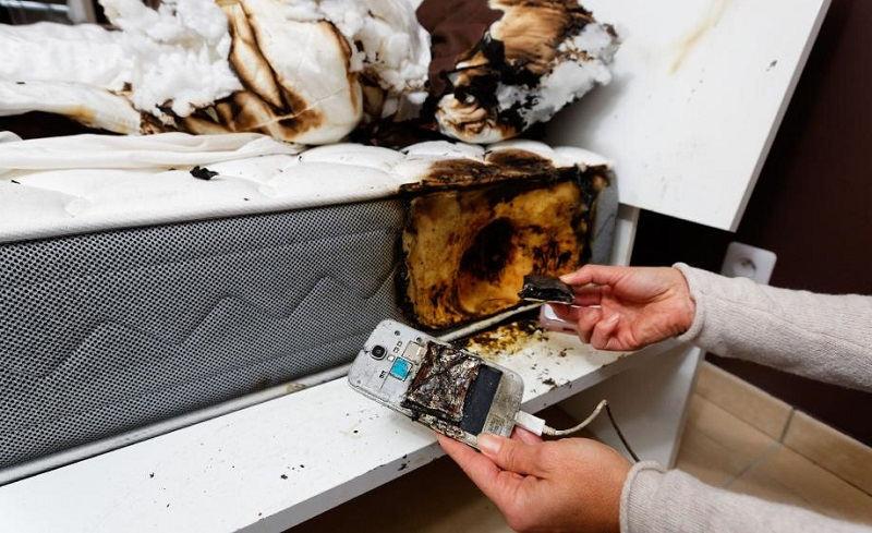 Взрыв батареи мобильного телефона