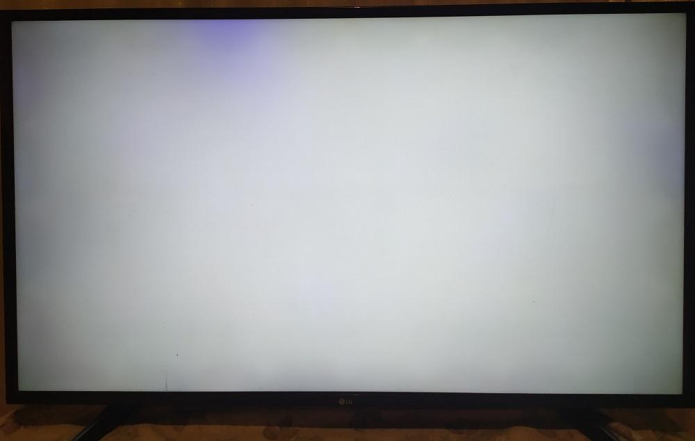 Синее пятно на экране телевизора