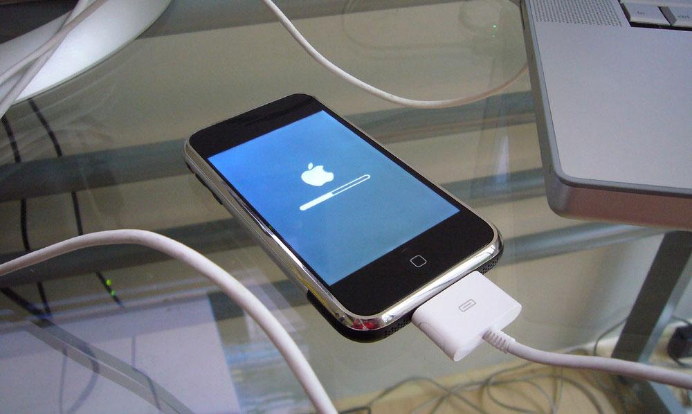 Разбираемся, как прошить iPhone