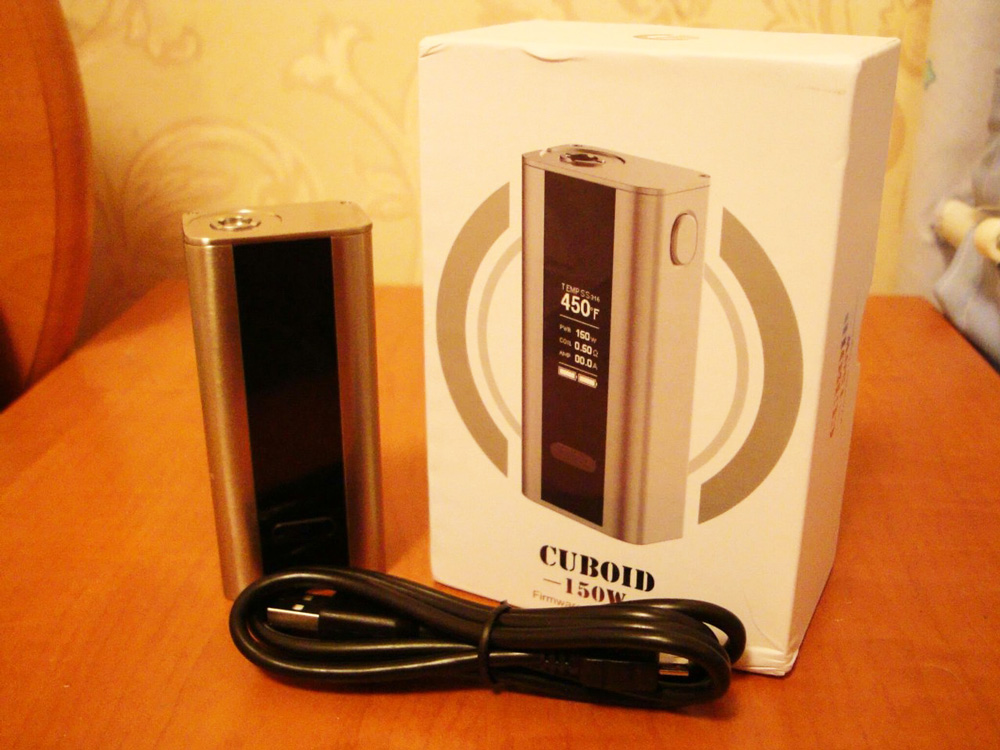 Потребуется кабель microUSB-USB из комплекта поставки