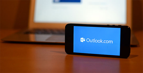 Outlook на iPhone