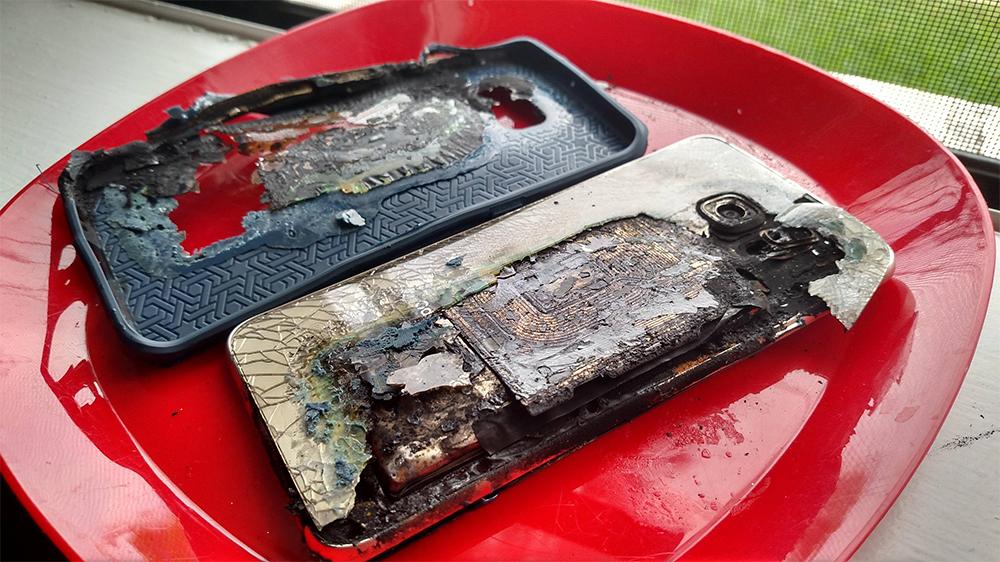 Сгоревший телефон