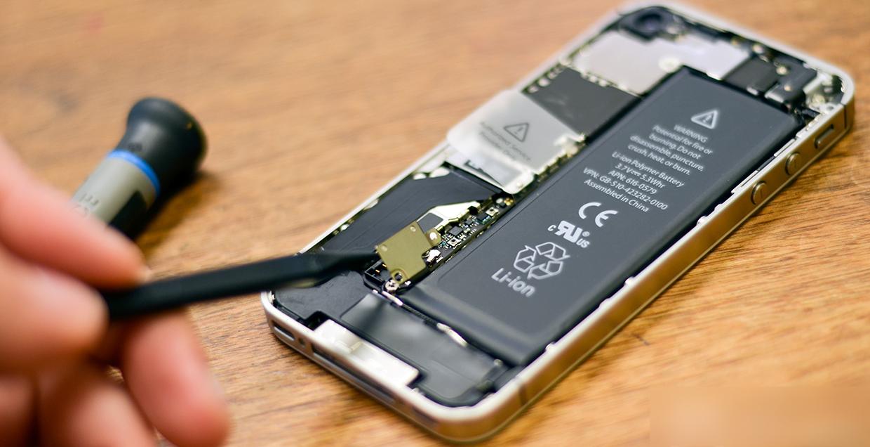 Снятие батареи iPhone 4