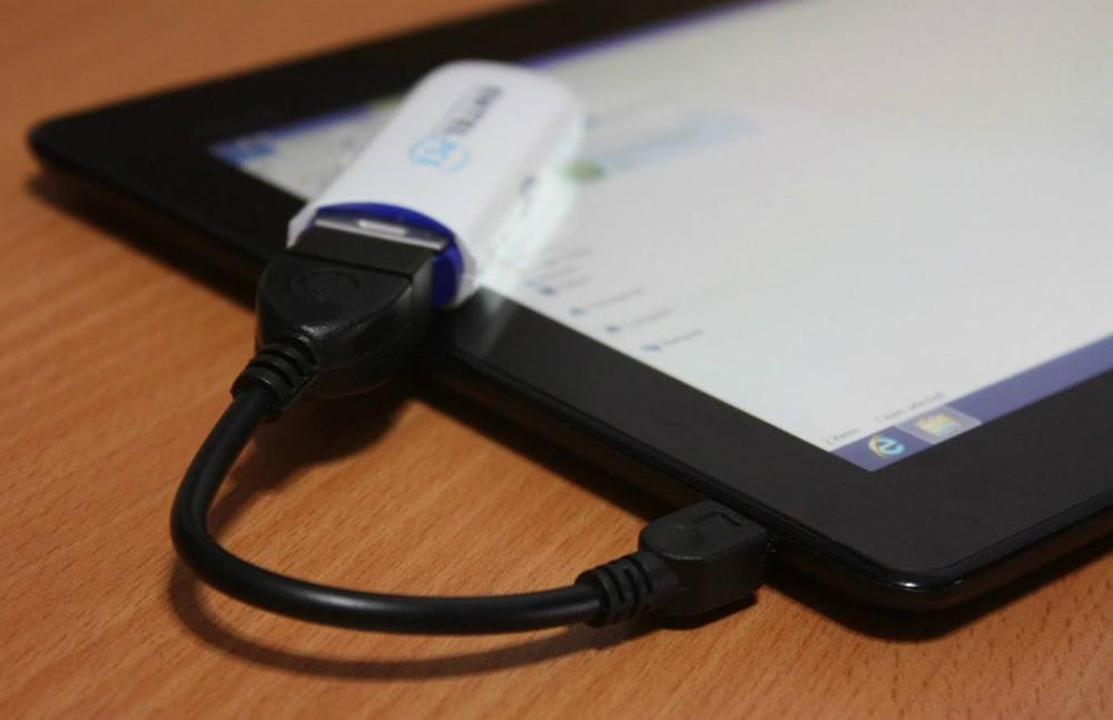 Подключеннаяк планшету флешка