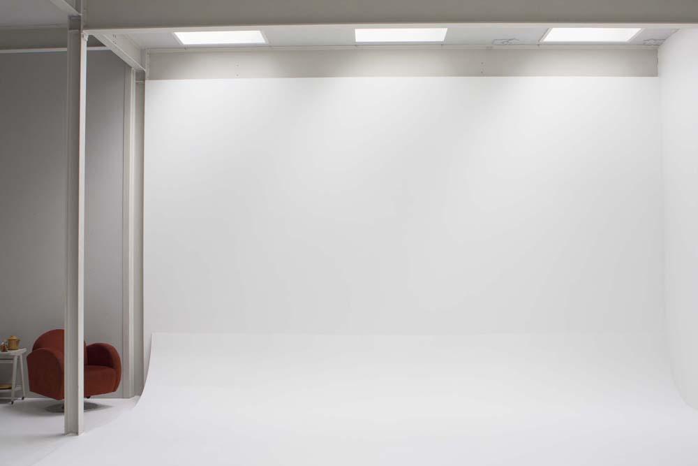 Окрашивание стены для проектора