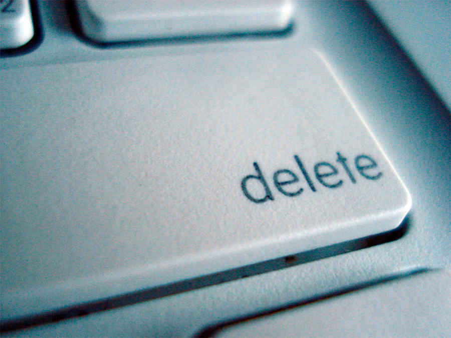 MacBook клавиша Delete