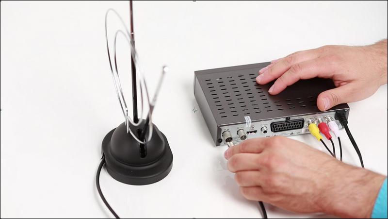 Подключение кабеля HDMI для цифрового ТВ-тюнера