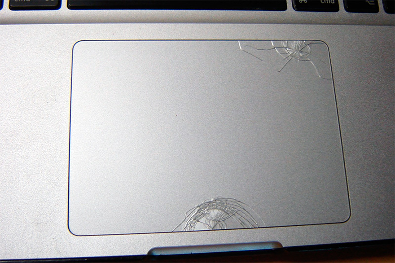 Разбитый touchpad MacBook